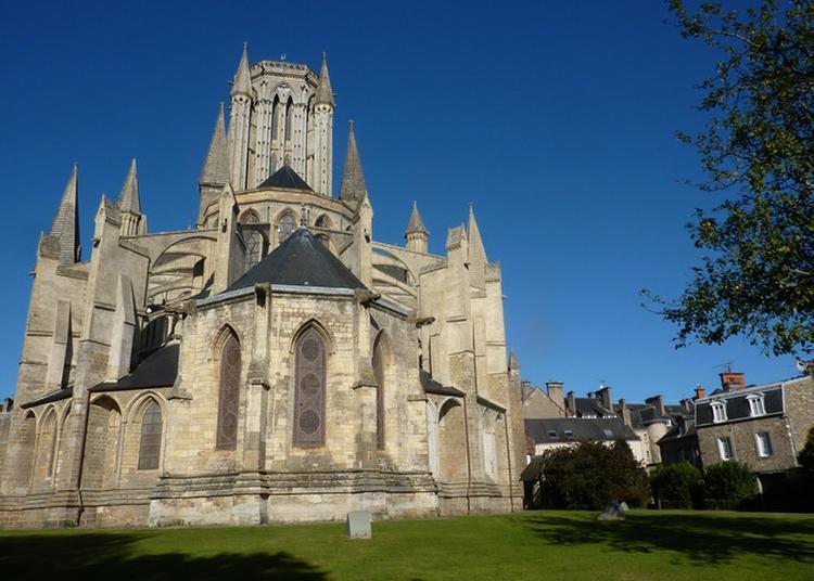 Visite Guidée De La Cathédrale à Coutances