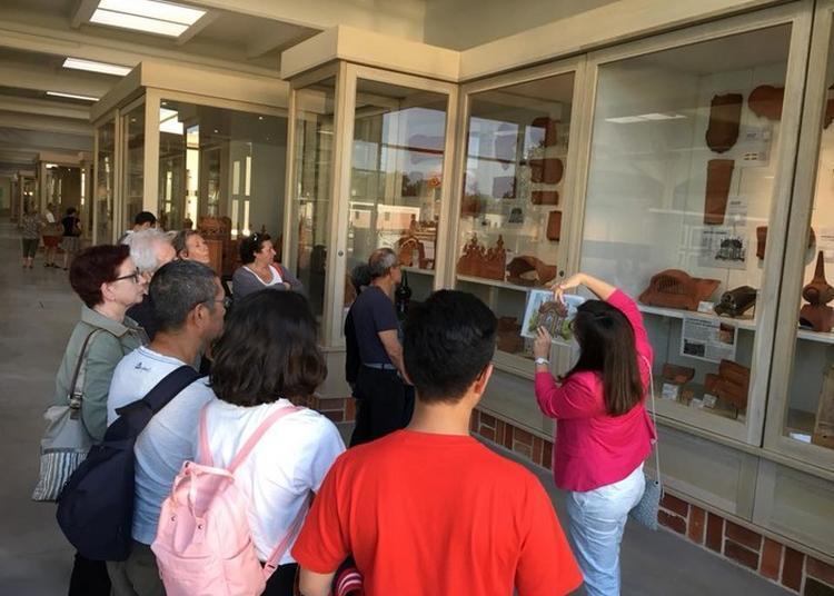 Visite Guidée De La Collection Céra'brique à Romorantin Lanthenay