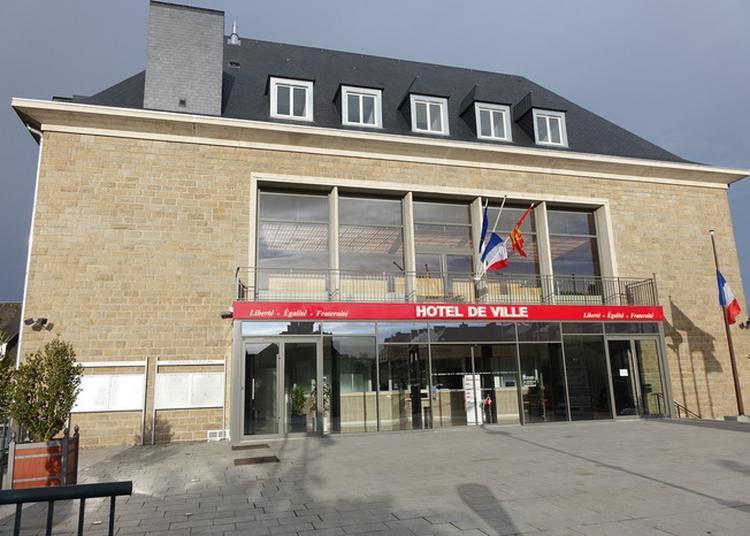 Visite Guidée De La Mairie De St-hilaire-du-harcouet à Saint Hilaire du Harcouet