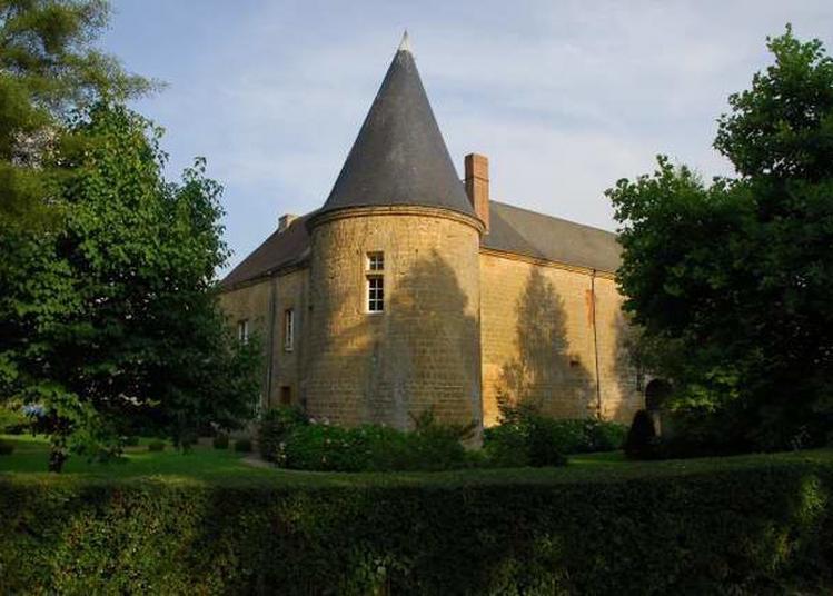 Visite Guidée Du Château à Clavy Warby