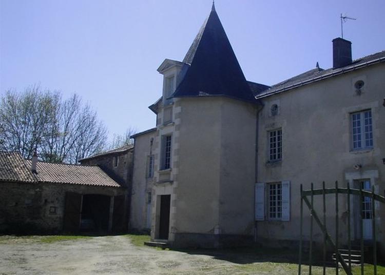 Visite Guidée Du Château De Genouillé à Civaux