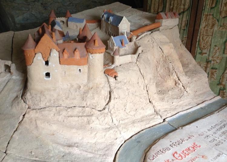 Visite Guidée Du Chateau De La Haute Guerche à Saint Aubin de Luigne