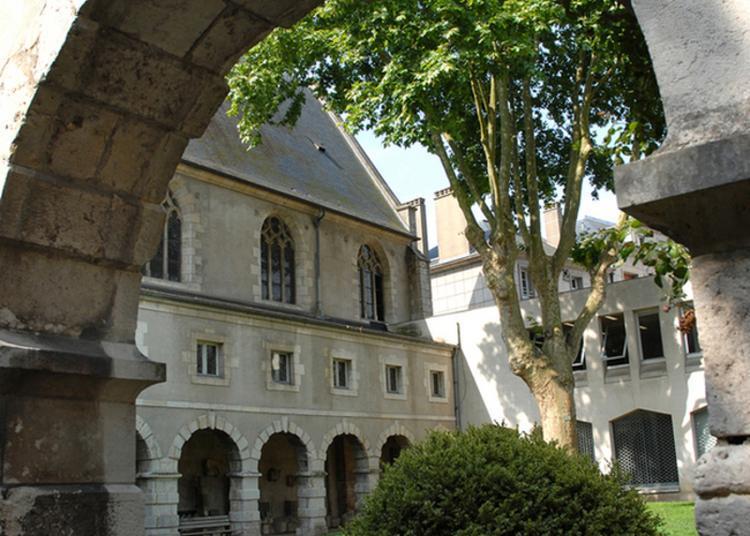 Visite Guidée Du Cloître Et Découverte Du Service Des Archives à Orléans