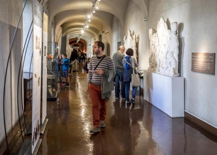 Visite Guidée Du Conservatoire D'art Et D'histoire à Annecy