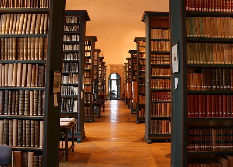 Visite Guidée Du Fonds Ancien De La Bibliothèque à Valognes