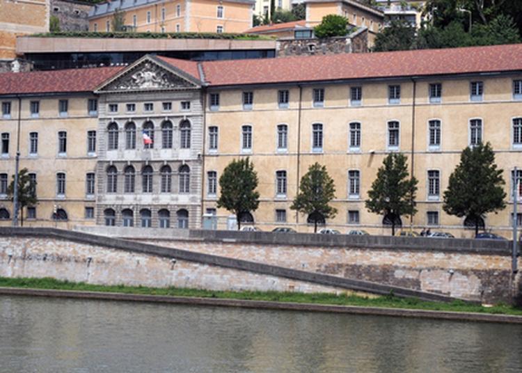 Visite Guidée Du Grenier D'abondance à Lyon