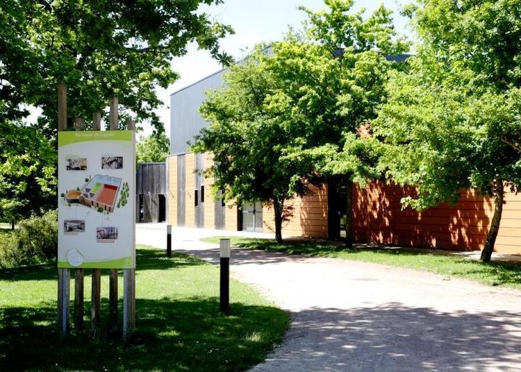 Visite guidée du Laboratoire Science et Nature: entrez dans les coulisses de la fabrication des produits Body Nature, Centifolia et Guérande Cosmetics à Nueil les Aubiers