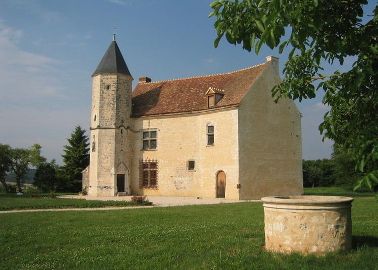 Visite Guidée Du Manoir De Vauvineux à Pervencheres