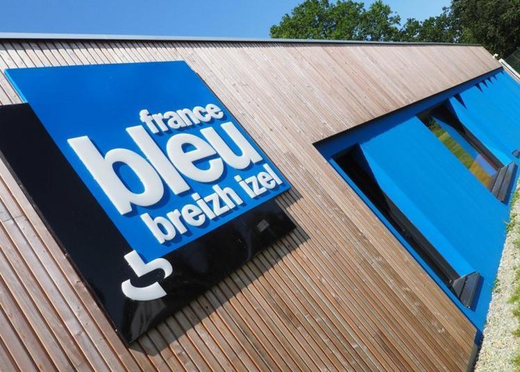 Visite Guidée Du Nouveau Bâtiment De La Radio France Bleu Breizh Izel. à Quimper