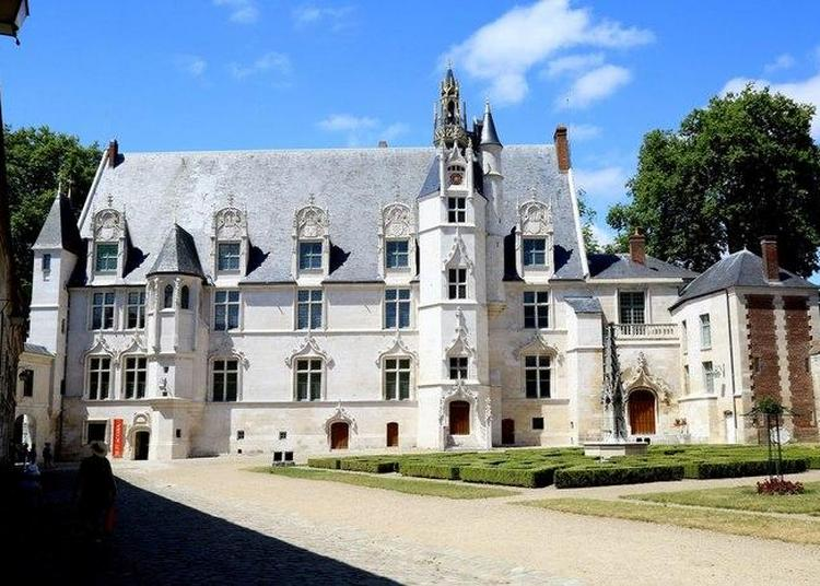 Visite Guidée Du Palais épiscopal à Beauvais