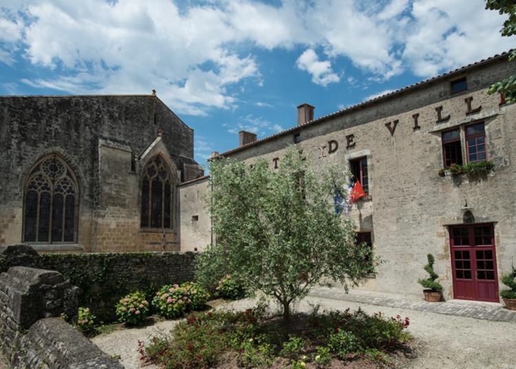 Visite Guidée Du Prieuré / Mairie à Foussais Payre