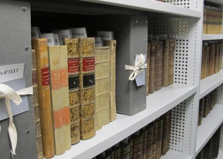 Visite guidée du service des Archives municipales à Remiremont