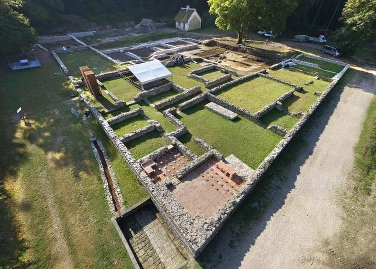 Visite Guidée Du Site Archéologique De Bibracte à Saint Leger Sous Beuvray