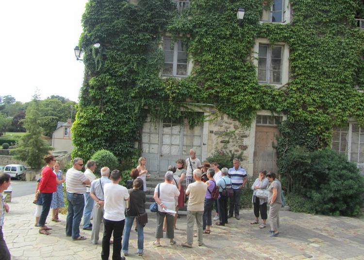 Visite Guidée Du Village Médiéval à Saint Denis d'Anjou
