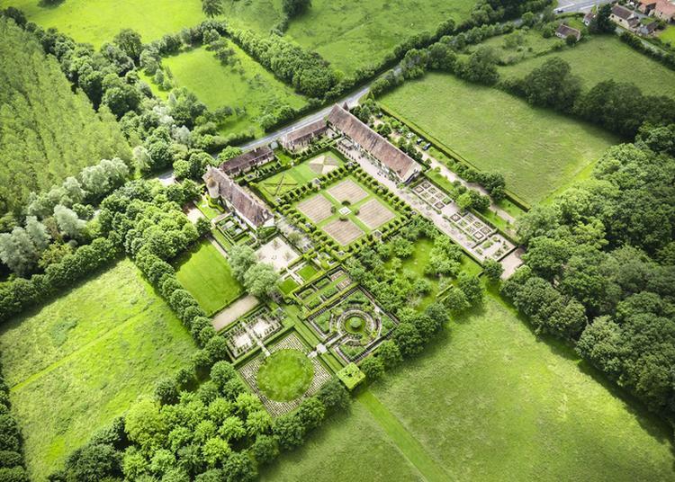 Visite Guidée Et Commentée des Jardins Du Prieuré D'Orsan à Maisonnais