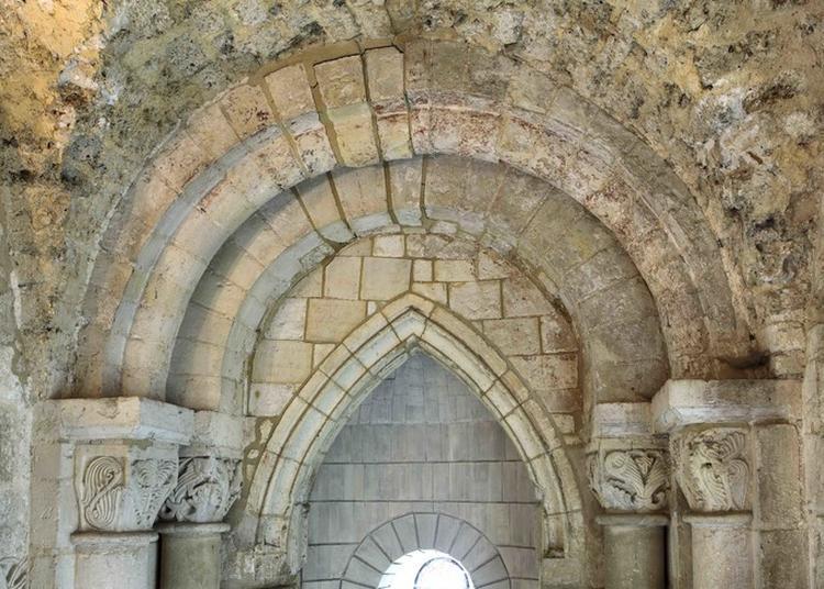 Visite L'abbatiale Les Yeux Fermés à Bernay