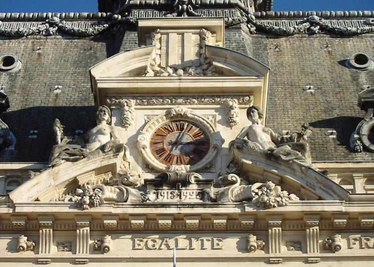 Visite Libre A La Découverte De L'hôtel De Ville. à Vichy
