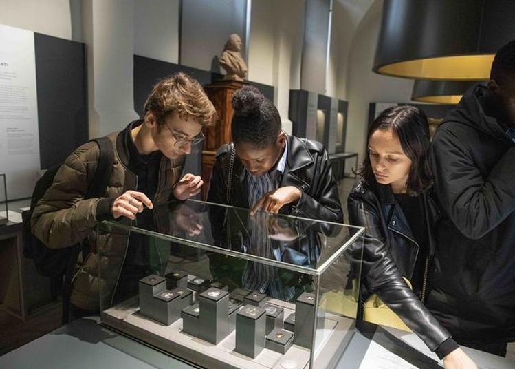 Visite Libre D'un Musée Qui Frappe... Les Esprits ! à Paris 6ème