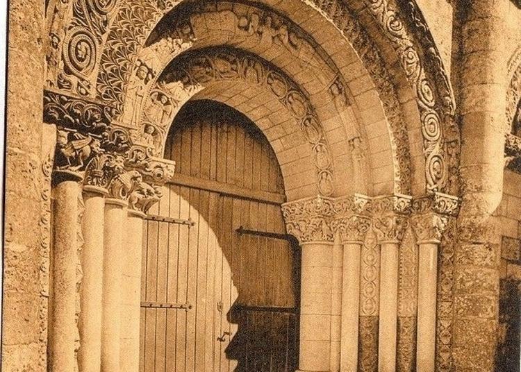 Visite Libre D'une église Du XIIe Siècle à Corme Royal