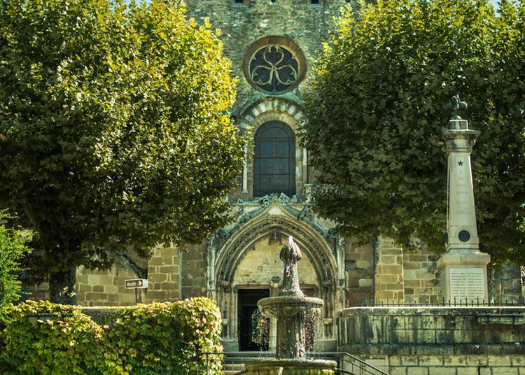 Visite Libre De L'abbaye à Saint Chef