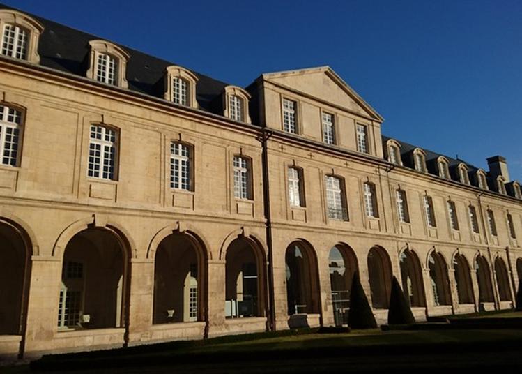 Visite Libre De L'abbaye Aux Dames à Caen
