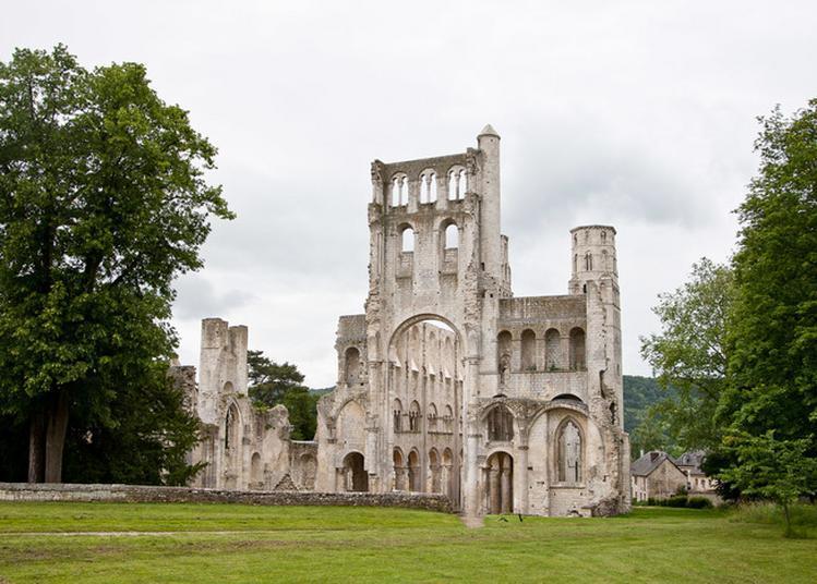 Visite Libre De L'abbaye De Jumièges à Jumieges