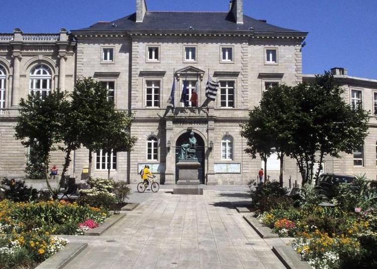 Visite Libre De L'hôtel De Ville De Quimper & Exposition.