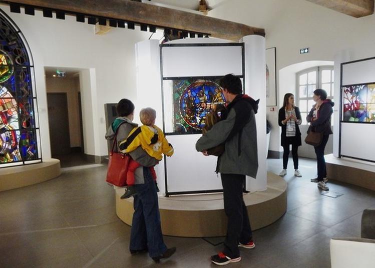 Visite Libre De La Cité Du Vitrail à Troyes