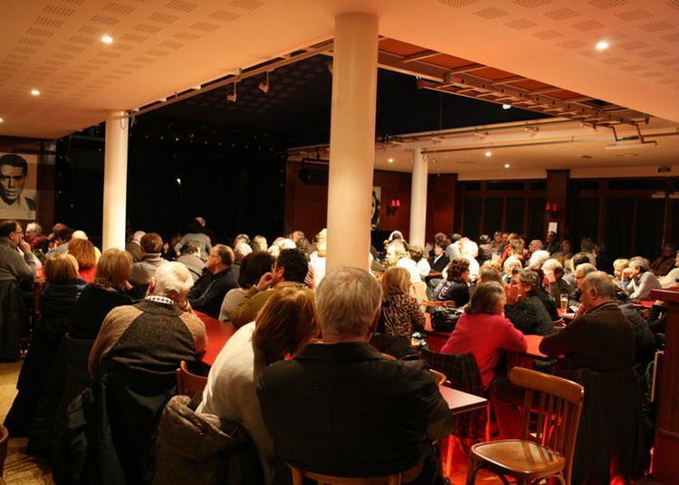 Visite Libre Du Cabaret L'escale à Migennes : Un Des Derniers Temples De L'âge D'or Du Music-hall.