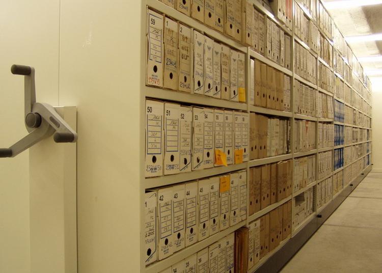 Visite Libre Du Dépôt D'archives à Antibes