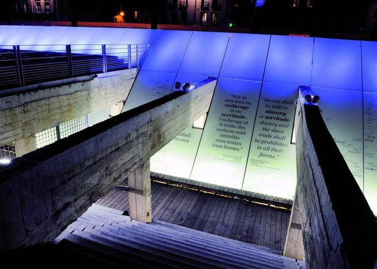 Visite Libre Du Mémorial De L'abolition De L'esclavage à Nantes