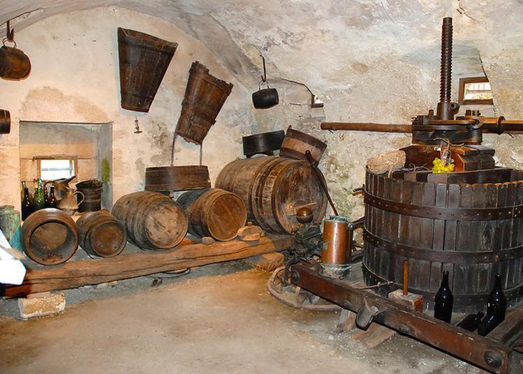 Visite Libre Du Musée Et De Ses Collections. à Lochieu