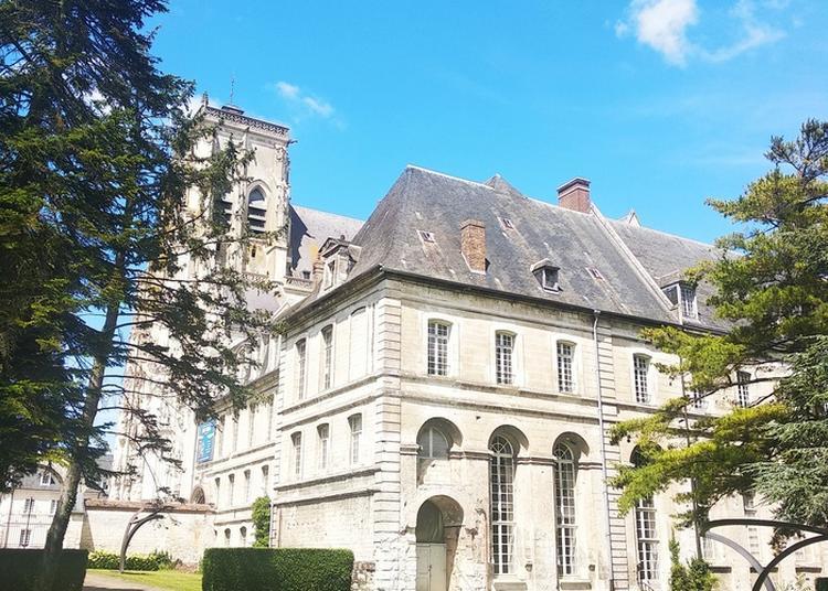 Visite Scolaire Guidée De L'abbaye De Saint-riquier à Saint Riquier