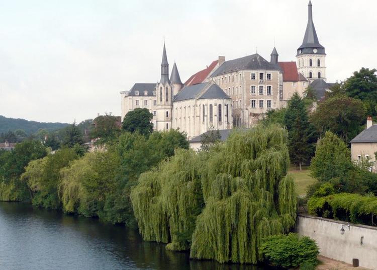 Visite Sur Le Thème Du Vocabulaire Architectural D'un Bâtiment Religieux à Saint Gaultier