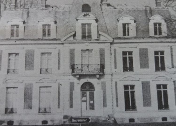 Visite Théâtralisée Du Château De La Halette (actuelle Mairie De Forges-les-bains) à Forges les Bains