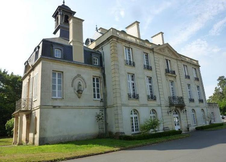 Visite Théâtralisée Du Château Des Moutiers-en-cinglais à Moutiers en Cinglais