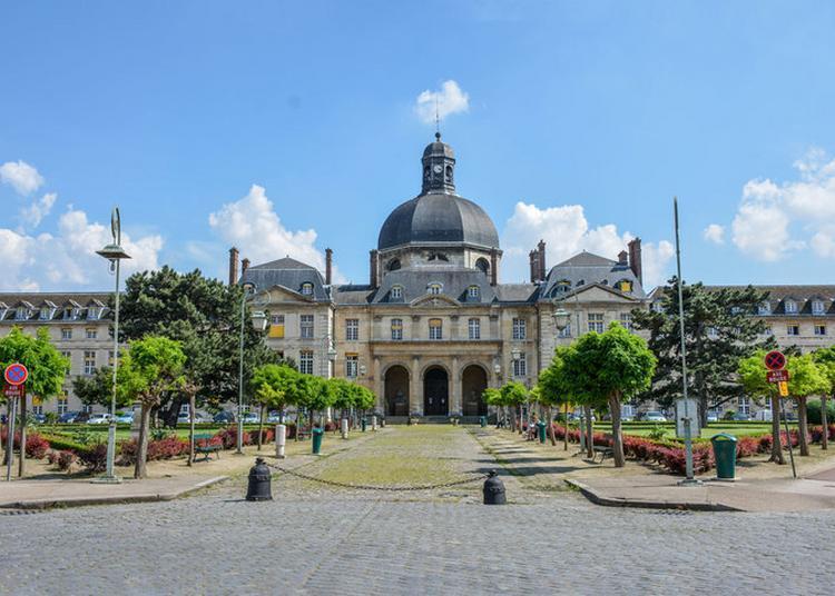 Visites Extérieures Commentées Des Bâtiments Historiques De L'hôpital De La Pitié Salpêtrière à Paris 13ème