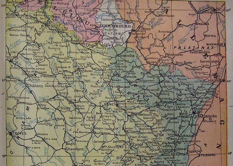 Visites Guidées D'un Magasin D'archives à Reims