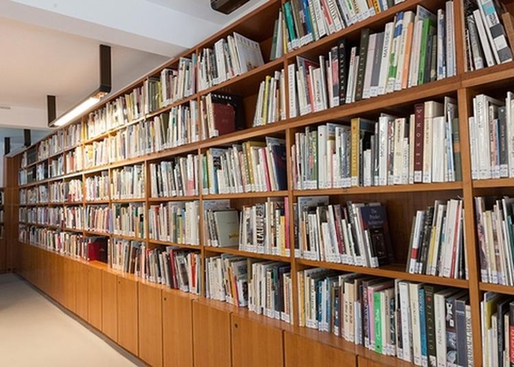 Visites Guidées De La Bibliothèque De La Cité Internationale De La Tapisserie à Aubusson