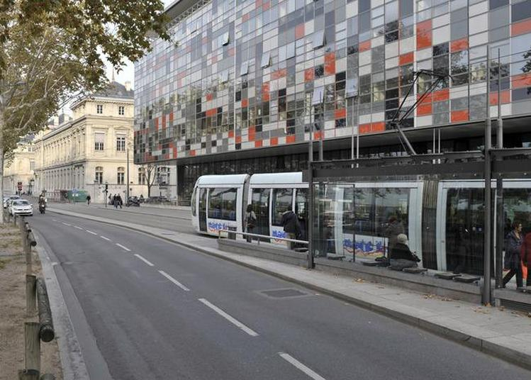 Visites Guidées Du Centre Hospitalier Saint Joseph Saint Luc. à Lyon