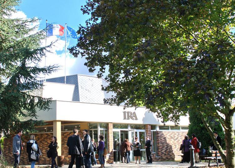Visitez L'édifice De L'institut Formant Les Cadres Administratifs De La Fonction Publique à Metz