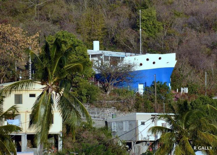 Visitez La Maison-bateau Torgiléo à Bellefontaine