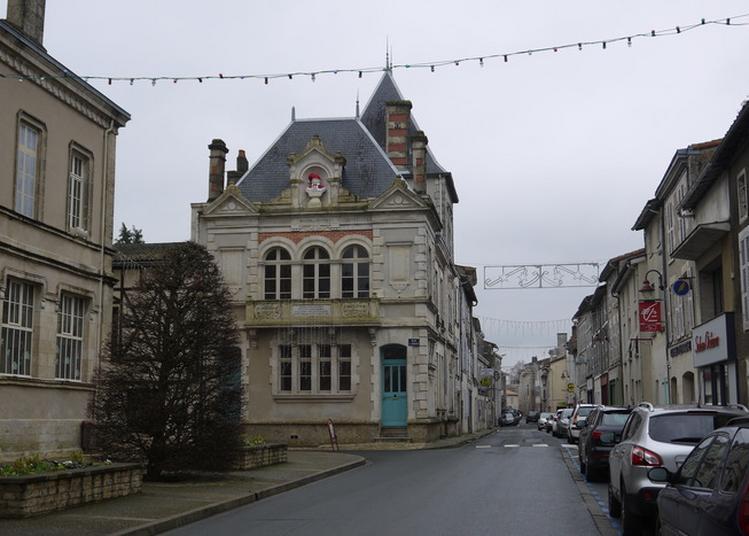 Visitez La Mothe Saint-héray à La Mothe saint Heray