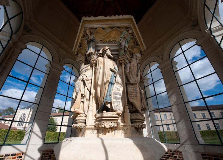 Visitez Le Puits De Moïse à Dijon