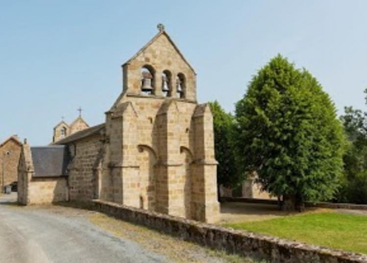 Visitez Librement Cette église Romane Du XIVe Siècle, Modifiée Au XVIIIe Siècle à Poussanges