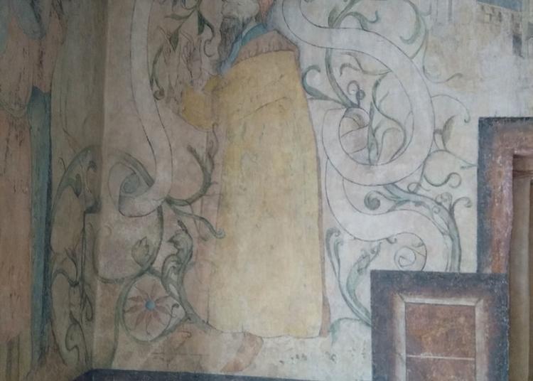 Visitez Un Hôtel Du XIIIe Siècle Et Découvrez Ses Peintures Murales Du XIVe Siècle à Strasbourg