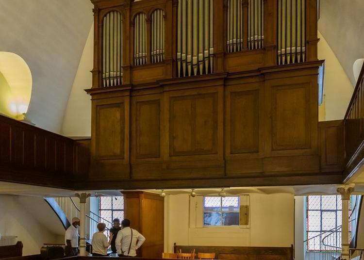 Visitez Une église Protestante Sur Fond D'orgue à Metz