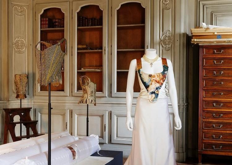 Vivienne Westwood. Art, Mode Et Subversion. La Collection Lee Price Au Musée Des Tissus à Lyon