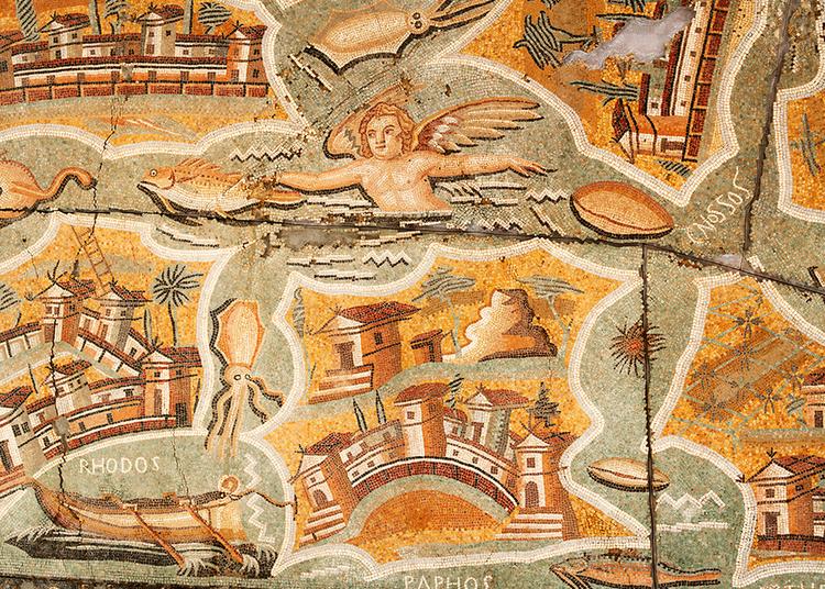 Voyage en Mediterranee, la mosaique aux iles à Arles