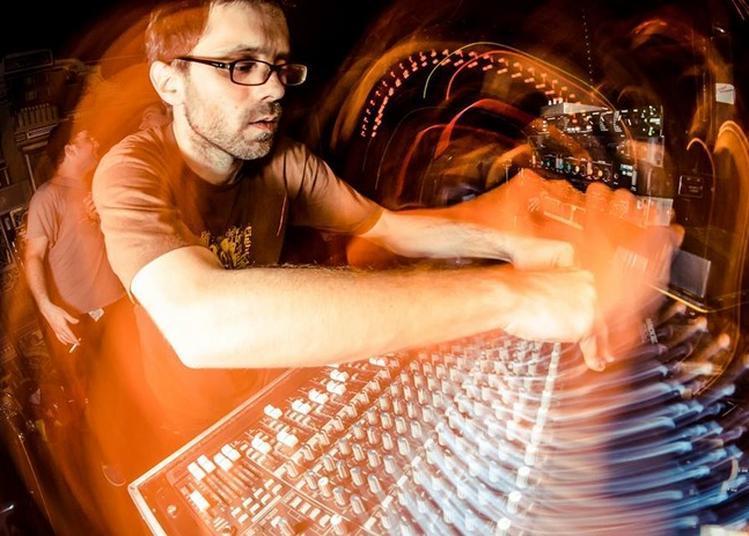 Weeding Dub - Scène Musique Électronique Parvis Equinoxe - à Chateauroux